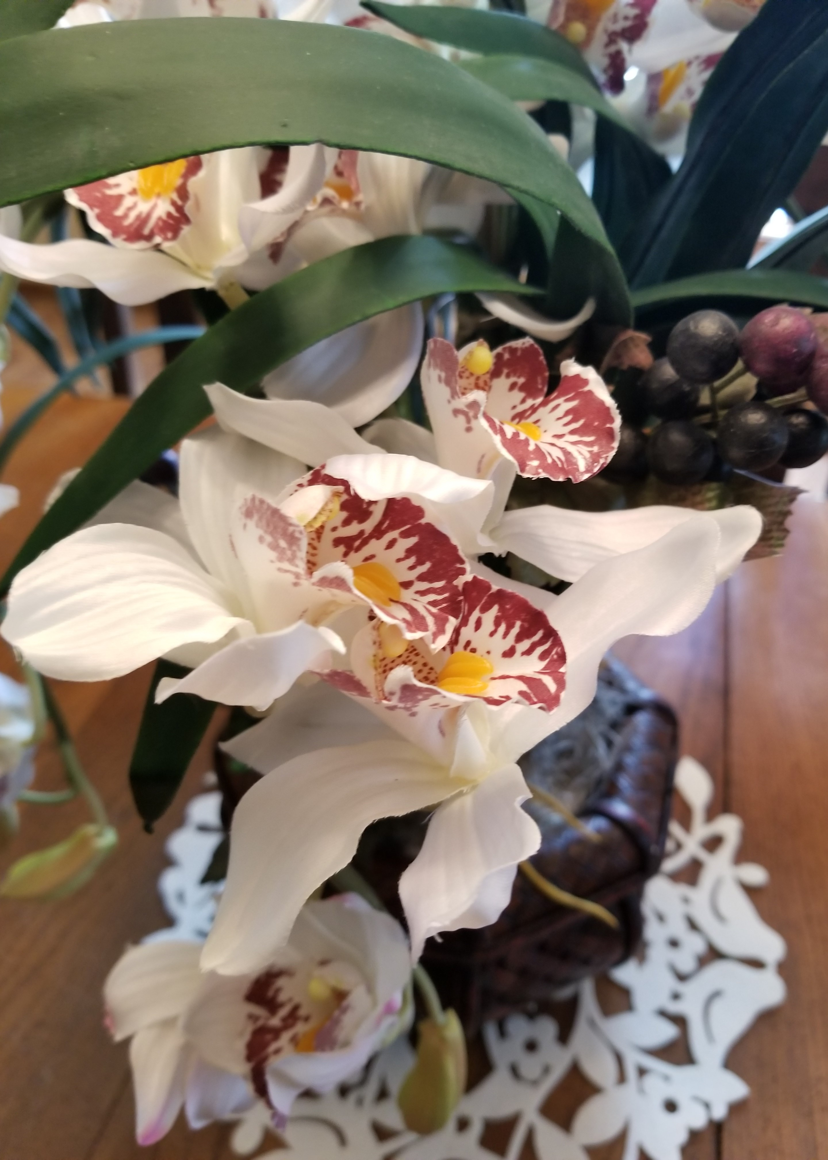 Can silk flowers look real rural mom one area im particularly thrilled to add silk flowers to is our outdoor garden yes silk flowers can easily be placed outside what you want to look for mightylinksfo