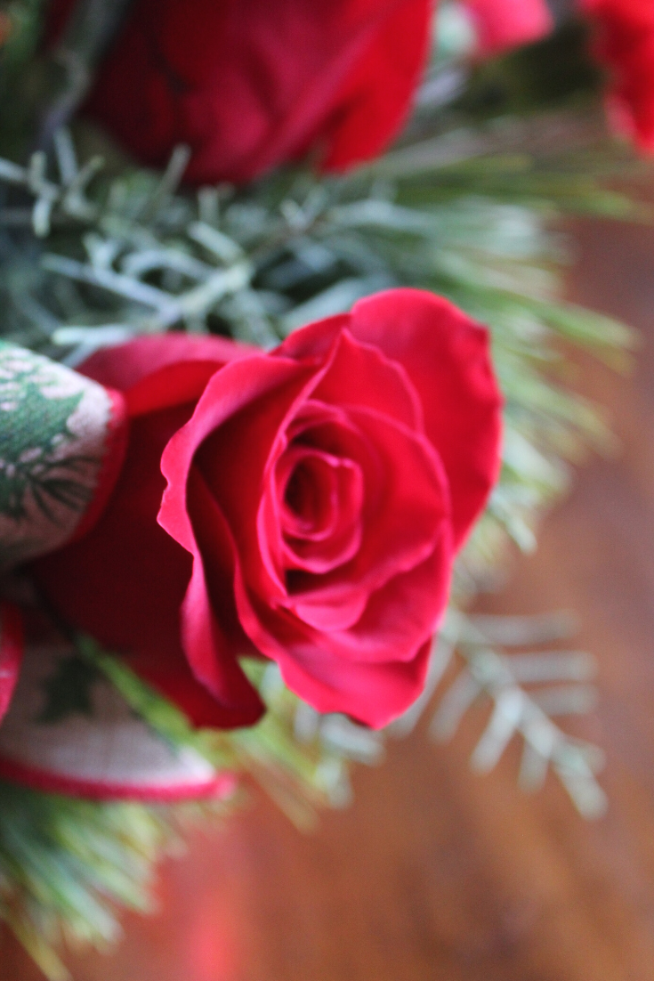 How To Select The Best Holiday Floral Arrangement