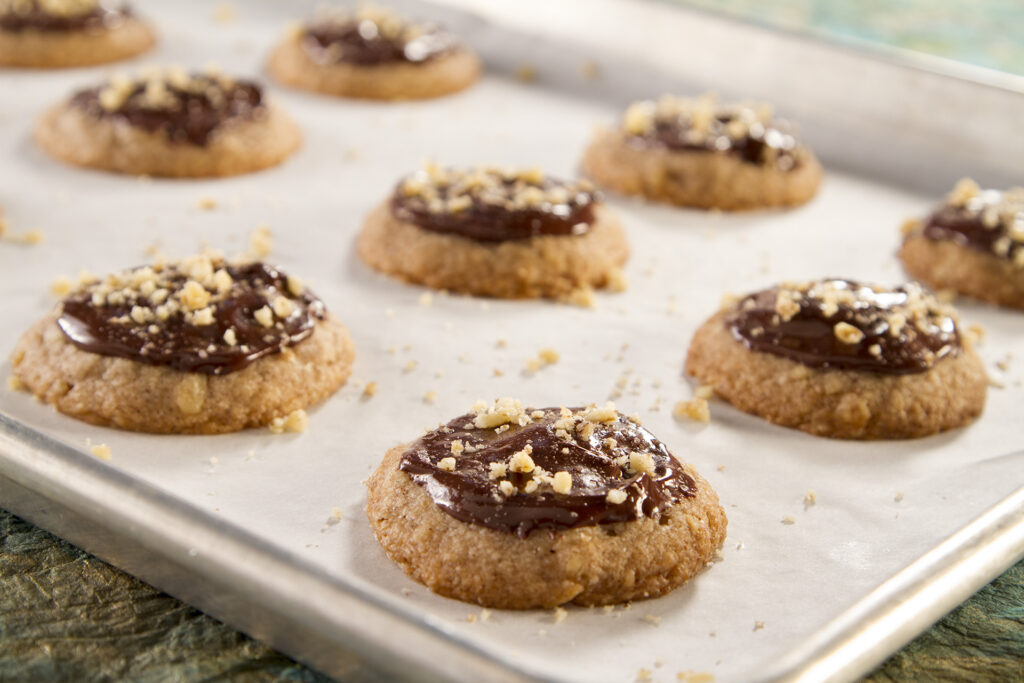Spiced Walnut Crust Cookies with Chocolate Ganache