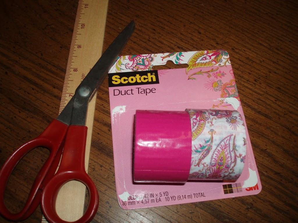 holiday craft idea duct tape diy crayon roll rural mom. Black Bedroom Furniture Sets. Home Design Ideas