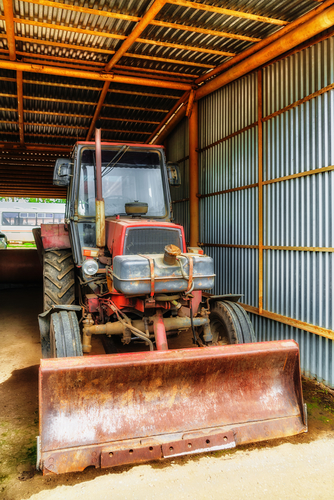 4 Things You Need to Know Before Purchasing a Used Tractor