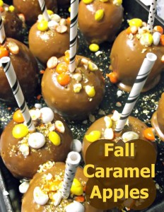 Quick and Easy Homemade Custom Caramel Apples #Halloween #Recipe