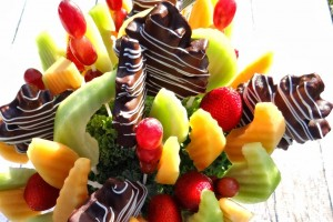 Edible Arrangements Autumn Swizzle Bouquet.