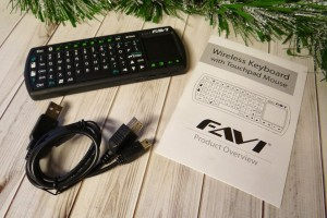FAVI Mini Wireless Keyboard with Mouse Touchpad