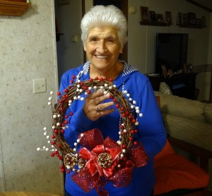 Rustic Holiday Wreath #Tutorial #DIY