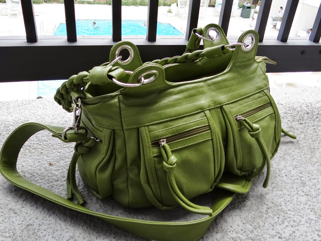 Upgrading My #Travel Style with the Epiphanie Camera Bag