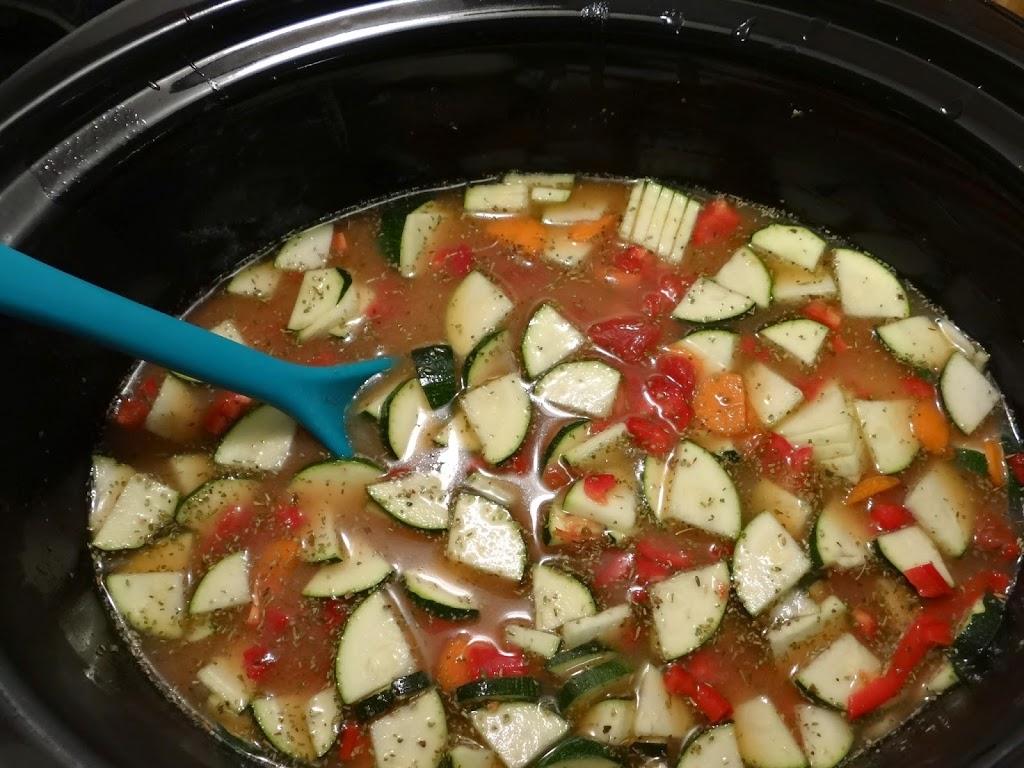 Rich & Hearty Slow Cooker Minestrone Soup #Recipe   Hamilton Beach Slower Cooker