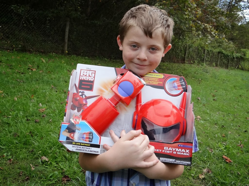 Deluxe Flying Baymax and Baymax Rocket Fist #BigHero6 | Hot Toys for the Holidays