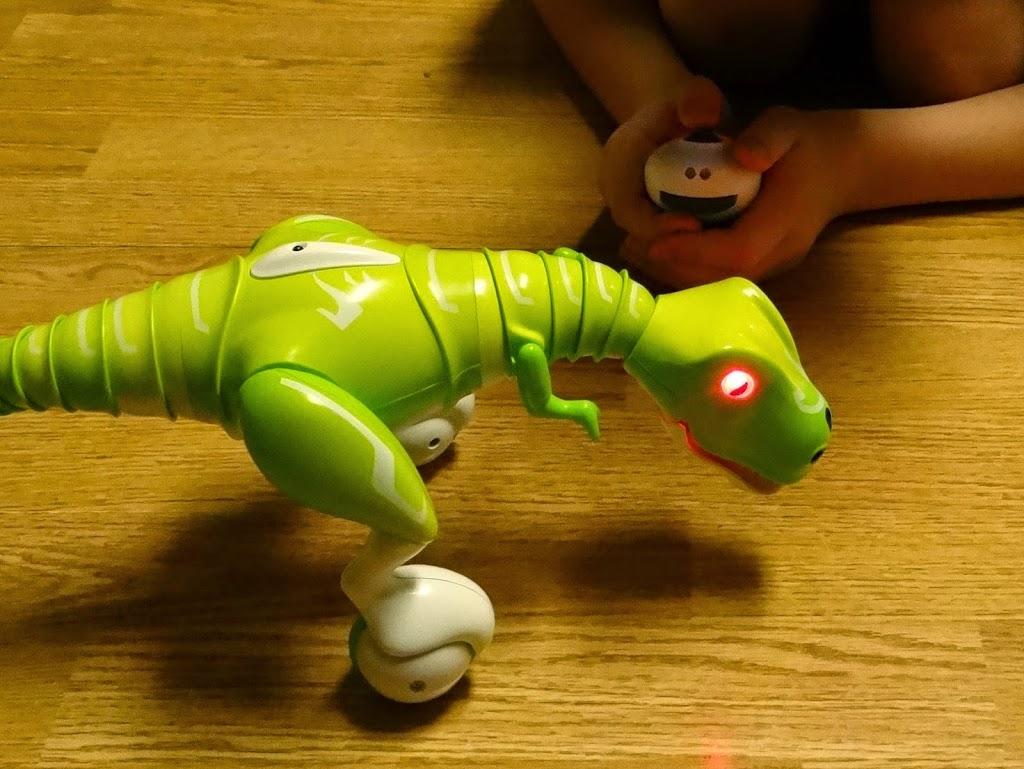 Zoomer Dino from Spin Master #ZoomerDino