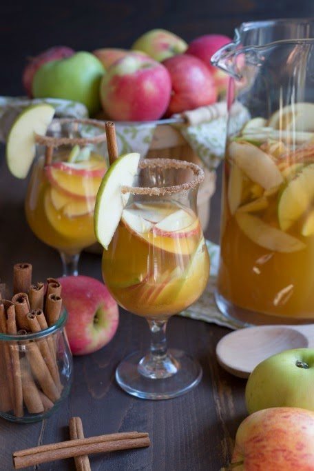 Sparkling Apple Cider Sangria #Recipe