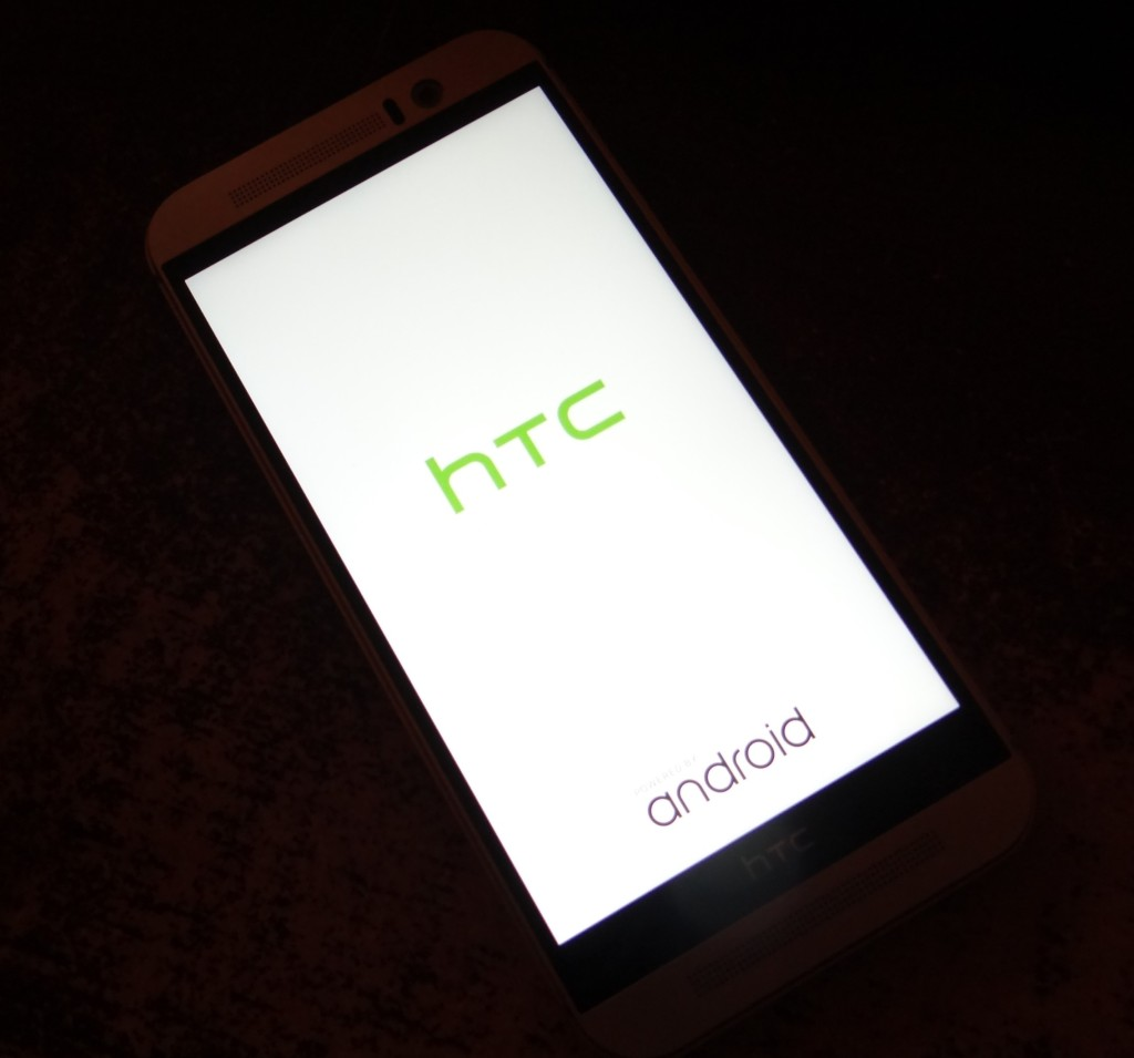 "HTC One M9 Review - ""Wow"" Sums It Up Nicely! #VZWBuzz"