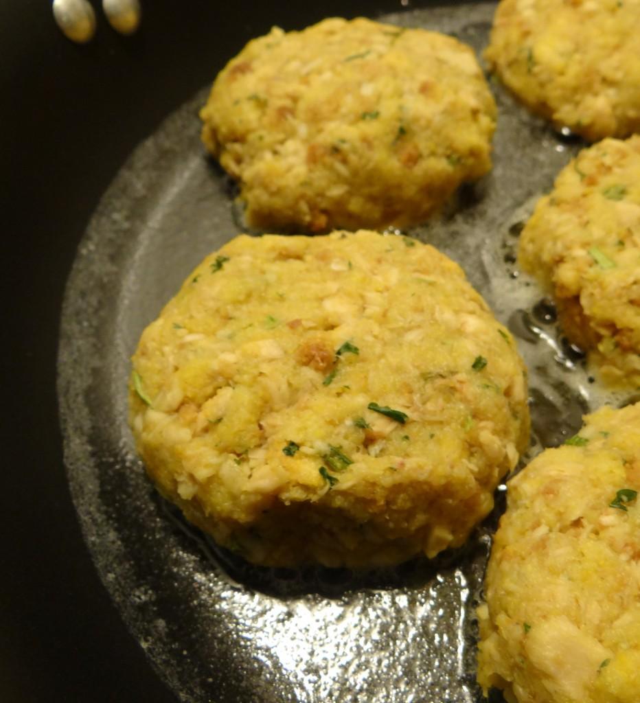 Quick and Easy (4 Ingredients!) Cornbread Salmon Cakes Recipe