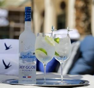 GREY GOOSE Le Grand Fizz - 9 Kentucky Derby Cocktail Recipes for Your Race Day Celebrations