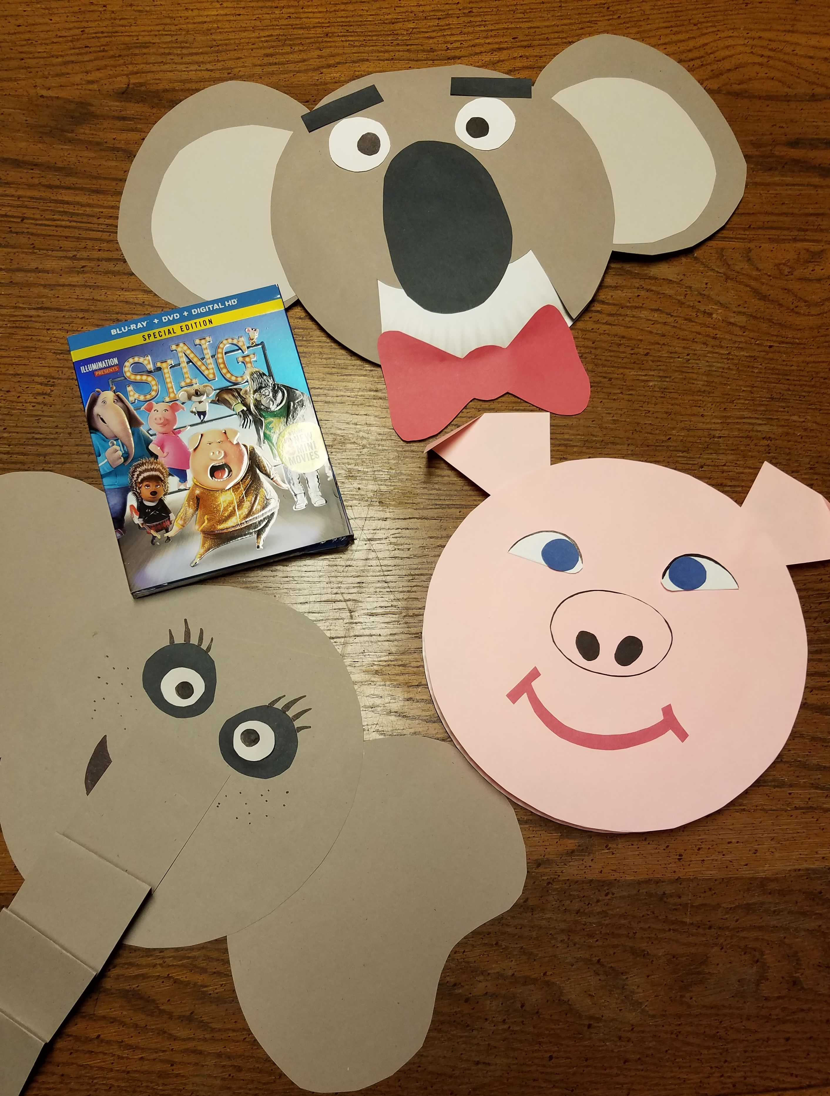 As a substitute teacher I\u0027ve had to master the ability to be creative on-the-spot. When you have a room full of restless children and time on your hands ... & Design Your Own Paper Plate Masks for SING Family Movie Night Rural Mom