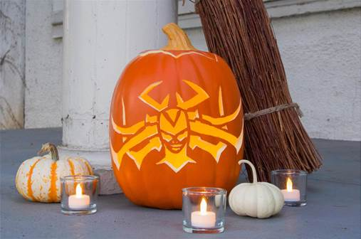Hela Pumpkin Carving and Mjolnir Candy Apples #ThorRagnarok