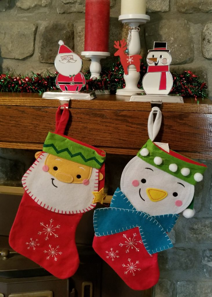 Quick Tips for Sprucing Up Your Mantle for the Holidays