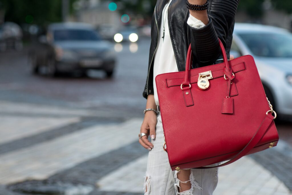 8 Stylish Tips for Busy Moms